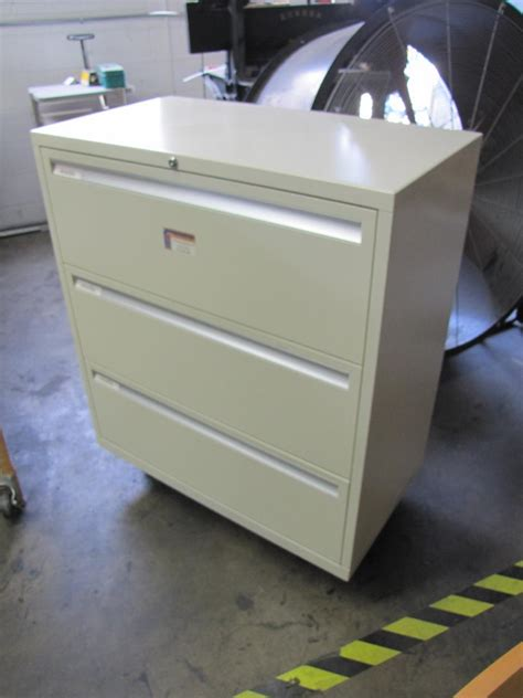 lot 68 montisa 3 drawer quot pull out quot filing cabinet wirebids