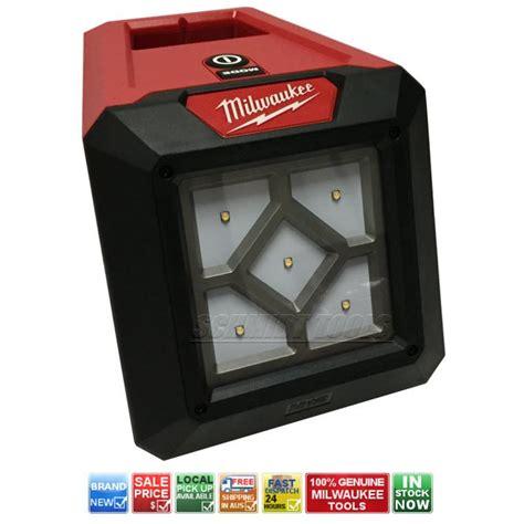 milwaukee 18v work light milwaukee m12al 0 area light m12 12v cordless led high