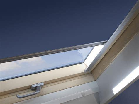 tende oscuranti per finestre mansarda tenda per finestre da tetto oscurante arf sunset fakro