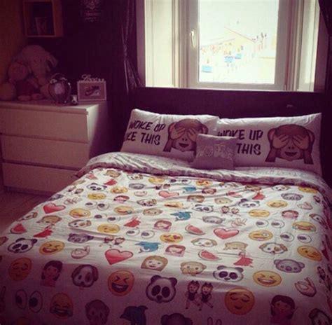 emoji room dormify emoji bedding cute chloe pinterest emojis