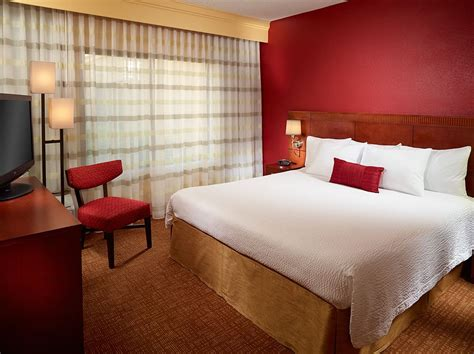 rooms to go west palm fl courtyard by marriott 174 west palm west palm fl 600 northpoint pkwy 33407