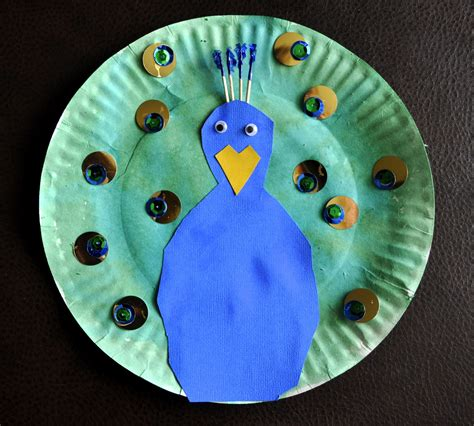 Peacock Paper Plate Craft - paper plate peacock i crafty things
