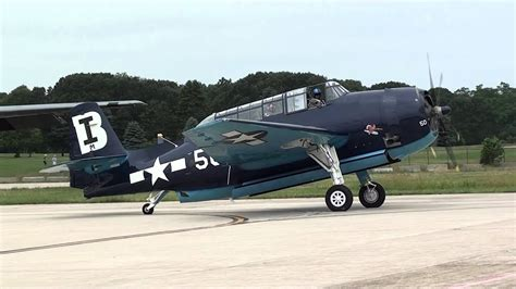 grumman gm tbm tbf avenger folding wings  ri airshow