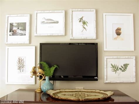 Decorating Around A Tv 6 Inspiring Ideas First How To Decorate A Wall With Pictures
