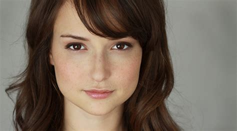 milana vayntrub milana vayntrub interview ten minute interviews