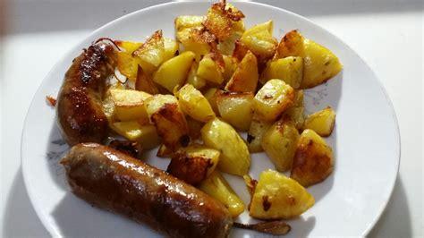 come cucinare le salsicce al forno salsicce e patate al forno ricetta ed ingredienti dei