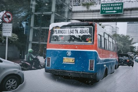 ahok fake news no it didn t snow in jakarta a vice guide to this week s
