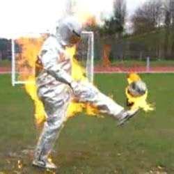 Kaos Scores Pressure Nike daredevil soccer stunts cesc f 195 bregas for nike t90