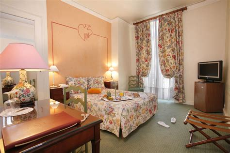 Classic Room by In Nimes Classic Rooms In The Luxurious Hotel Imperator