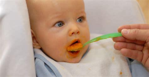 baby ab wann brot essen baby f 252 ttern richtig gemacht familie hilfreich de