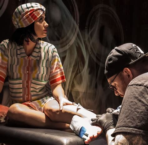 Katy Perry New Tattoo 2015 | katy perry gets rainbow triangle tattoo to mark prismatic