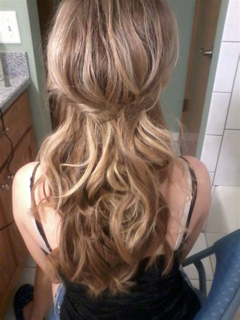 dirty blonde hair with black highlights dirty blonde with soft curls blonde hair pinterest