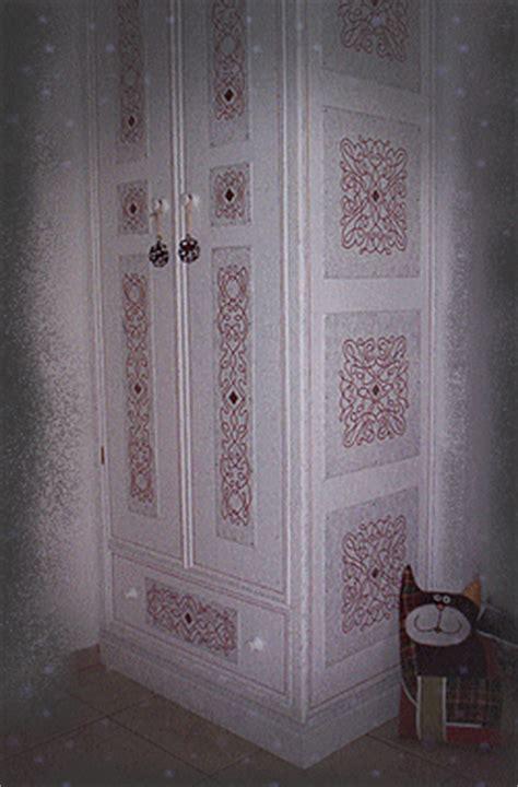 dipingere un armadio di legno dipingere vecchio armadio il meglio design degli interni