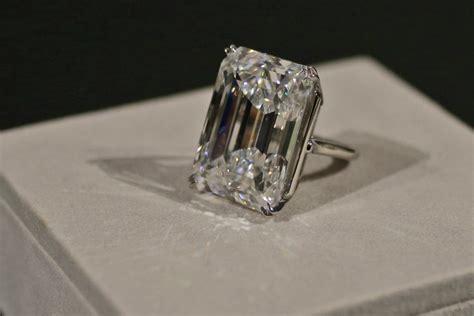 this 100 carat sold for 22 million at