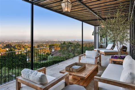 stunning mediterranean balcony designs youll