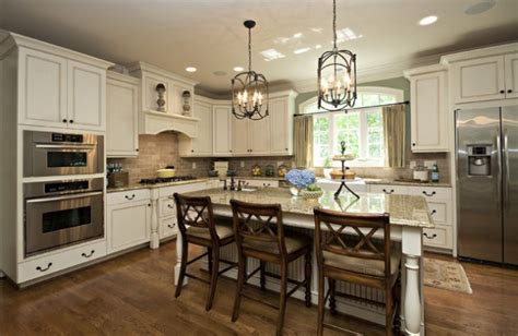 kitchen cabinets molding ideas 2018 18 gorgeous kitchens with backsplash