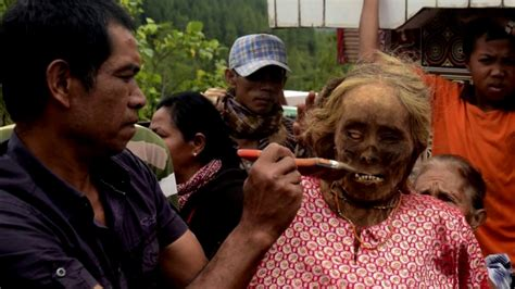imagenes insolitas del mundo 5 tradiciones culturales m 225 s extra 241 as del mundo youtube