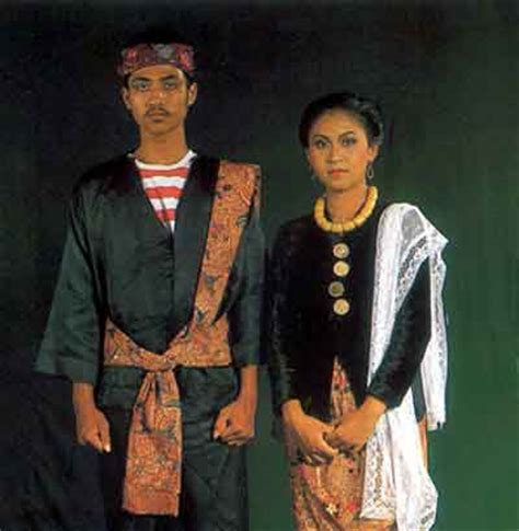 Baju Adat Surabaya fitinline pakaian adat mantenan dan pesaan