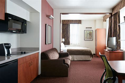 in suite club quarters hotel in philadelphia a center city business hotel
