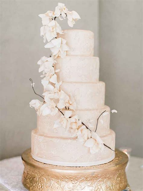 Flower Wedding Cakes by 16 Prettiest Sugar Flower Wedding Cakes