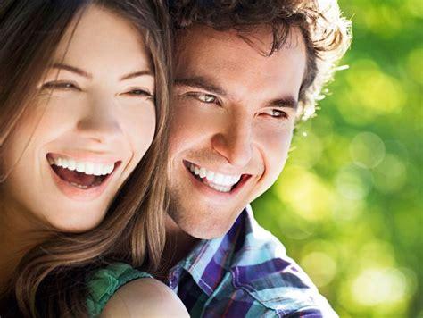 imagenes alegres de parejas acciones de las personas felices actitudfem