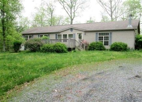 houses for sale hedgesville wv 216 persimmon tree ln hedgesville wv 25427 foreclosed home information reo