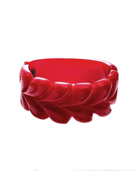 Bakelite Carved Red Bracelet Leaf Motif Vintage Bangle   Einna Sirrod