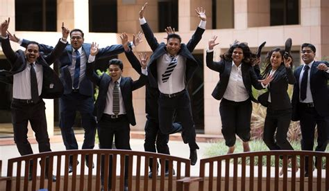 Gitarattan International Business School Mba Placements by Isb Students Get Rs 22 Lakh A Year Offers