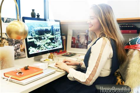 chic cubicle decor desk decorating tips