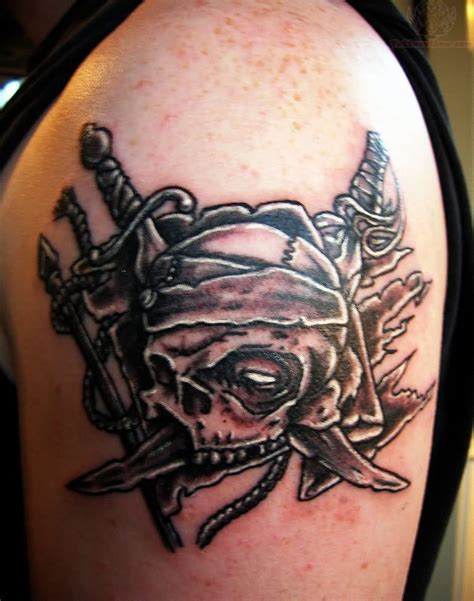 pirate skull tattoos pirate skull images designs