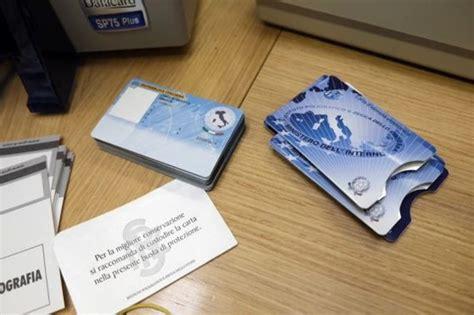 porta carta identità carta d identit 224 elettronica come fare per richiederla
