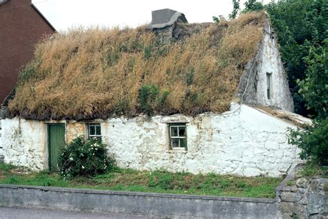 thatched roof cottage galway ireland
