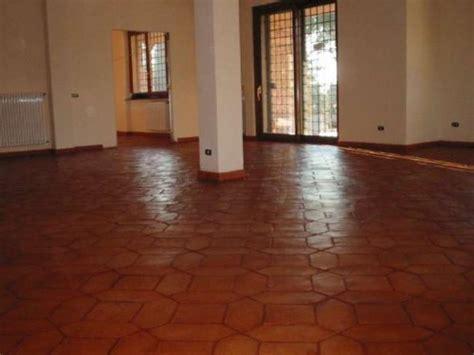pulizia pavimenti in cotto pulizia e trattamento pavimento cotto roma