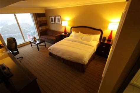 2 bedroom suites niagara falls bathroom 2 room tower king suites deluxe suites