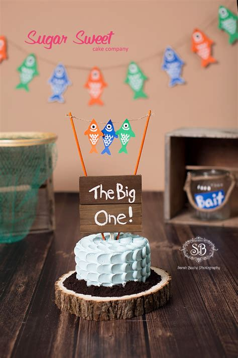 the big the big one cake smash and family session beebe photography