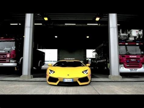 How To Work For Lamborghini Lamborghini Aventador Put To Work At Airport Top Gear