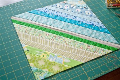 String Pieced Quilt Blocks by Bee Tutorial String Pieced Quilt Block