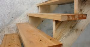 Pre Cut Stair Stringers by How To Use Pre Cut Stair Stringers For Decks Ehow Uk