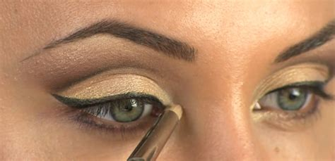 eyeshadow tutorial deep set eyes cut crease makeup tutorial for hooded deep set or small