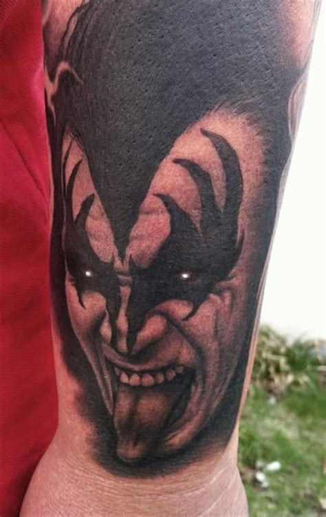 kiss of ink tattoo gene simmons by bob tyrrell cool tattoos