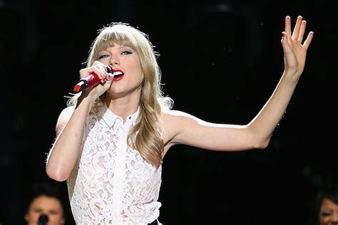 taylor swift duet with country singer taylor swift reveals what career path she d take if she