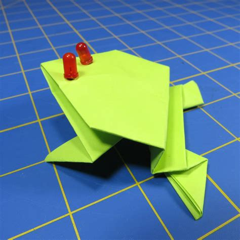 Origami Up - fold up a jumping origami frog with led make