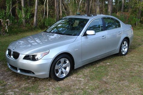 bmw 525i photos reviews news specs buy car