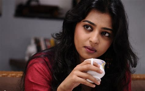 biography of movie badlapur radhika apte actress pictures