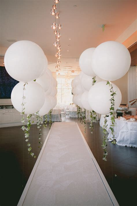 Wedding Balloons Ideas by Diy Balloon Garland Engagement