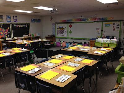 Desk Arrangements For Middle School by 25 Best Ideas About Classroom Desk Arrangement On