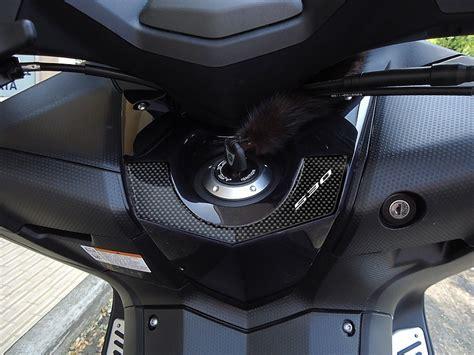 pedane tmax 530 adesivo 3d protezione chiave accensione tmax 530 per