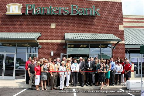 Planters Bank Office by Planters Bank Opens Newest Location On Dunlop