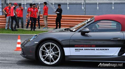 Porsche Media by Porsche Media Driving Academy Simak Materi Berkendaranya