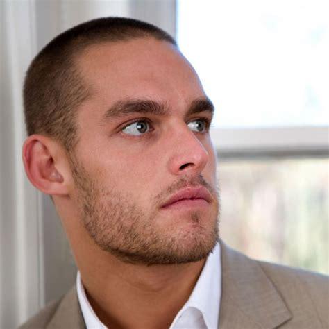 testa rasata e barba foto di tagli capelli rasati uomo immagini tagli capelli